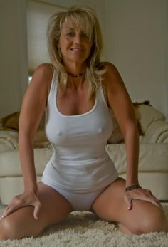 Hot sexy mature milf white cutoffs