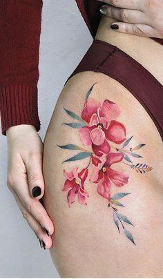 Side Tattoos, Body Art Tattoos, Cool Tattoos, Tatoos, Best Tattoos For Women, Tattoo Designs For Women, Floral Thigh Tattoos, Flower Tattoos, Sexy Stomach Tattoos