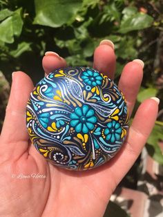 Excited to share the latest addition to my shop: Mandala Stone Wood Pebble flowers Art painted rocks painted stone Mandela Rock Painting, Stone Art Painting, Rock Painting Designs, Dot Painting, Mandala Rocks, Mandala Art, Dotted Drawings, Sacred Geometry Art, Stone Crafts