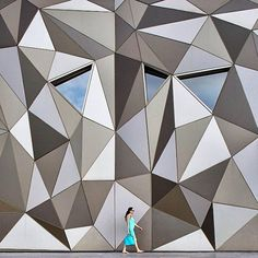 Lebanese photographer Serge Najjar notices geometric patterns in his day-to-day surroundings. Based in Beirut, his photographs capture instances of minimalist architecture with an emphasis on symme… Architecture Paramétrique, Amazing Architecture, Triangular Architecture, Serge Najjar, Building Skin, Facade Design, Wall Design, Design Art, Textures Patterns