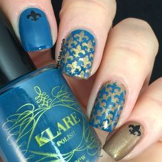 Fleur de Lis nailart done with Whatsupnails stencils by @get.that.polish. More details on Instagram post.