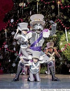 4 Tips For Finding A Great Ballet Teacher Nutcracker Image, Nutcracker Costumes, Ballet Costumes, Dance Costumes, Christmas Time Is Here, Christmas Carol, Christmas Photos, Rat Queens, Ballet Performances