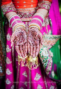 gorgeous henna, loveeee the choora too