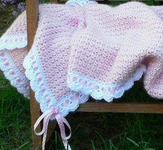 Seashell Pink Baby Blanket with Ribbon by bubblegirlknits,free ravelry pattern Crochet Blanket Border, Pink Baby Blanket, Crochet Baby Blanket Free Pattern, Baby Afghan Crochet, Crochet Quilt, Manta Crochet, Baby Girl Blankets, Crochet Patterns, Baby Afghans