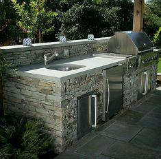 Outdoor Kitchen Plans, Backyard Kitchen, Modern Backyard, Backyard Patio Designs, Outdoor Kitchen Design, Patio Ideas, Backyard Ideas, Small Outdoor Kitchens, Parrilla Exterior