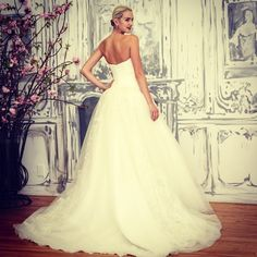 Zac Posen wedding dress, spring 2015 collection. Photo: Elizabeth Lippman/The New York Times