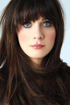 Zooey Deschanel: she understands, fair skin and makeup are difficult.