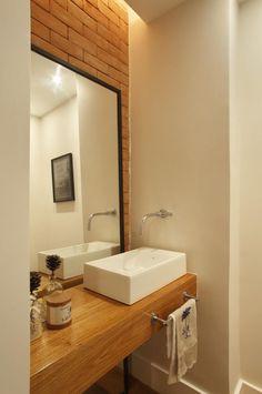 Confira algumas dicas para escolher a pia certa na hora da sua reforma de banheiro. Alguns detalhes são cruciais e não devem passar em branco. Veja mais!