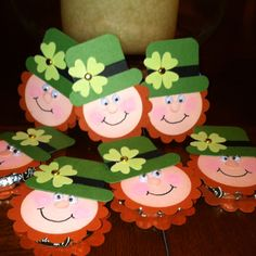 "Craft with children in mind !!! Pinner wrote: ""These are some St. Patrick's day treats that I made for my grandkids. There's a peppermint patty between the two scallop circles."""