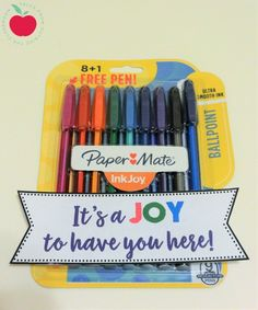 Welcome new teachers to your staff with these affordable welcome gift ideas perfect for brand new teachers and veterans alike. Welcome New Teachers, Welcome To Our Team, Welcome New Employee, Mentor Teacher Gifts Student Teaching, Easy Teacher Gifts, Teaching Tips, School Teacher, Teacher Resources, Employee Appreciation Gifts