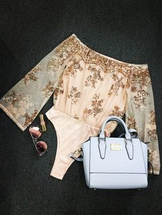 SHARE & Get it FREE | Off The Shoulder Sequins BodysuitFor Fashion Lovers only:80,000+ Items • New Arrivals Daily Join Zaful: Get YOUR $50 NOW!