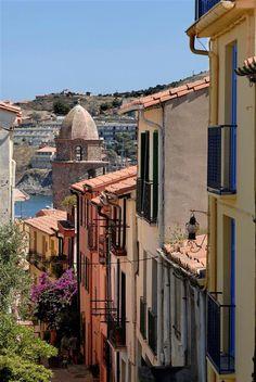 Collioure - Pyrénées-Orientales; Les ruelles de collioure; Collioure, France.