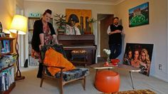 Justine Smith is a comedian living in an art-filled home in West Auckland with her husband Dan Crozier.