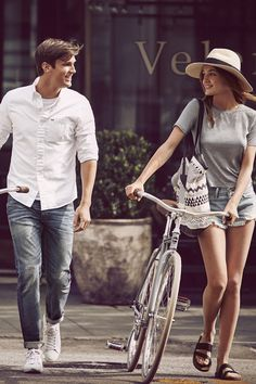 Summer Getaway: Escape to the City // Abercrombie & Fitch // Bike rides through sun-drenched city streets on the dreamiest day date.
