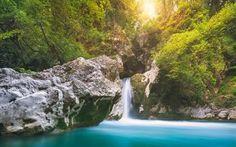Scarica sfondi foresta pluviale, lago blu, rocce, cascata, lago, estate, arbusti