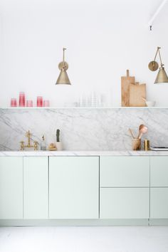 Kitchen Inspiration #interior #styling marble / cocina verte claro marmol / cuisine marbre