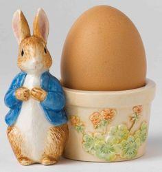 Beatrix Potter Peter Rabbit Egg Cup Figurines and Ornaments Beatrix Potter, Vintage Egg Cups, Vintage Easter, Vintage Jars, Novelty Egg Cups, Egg Coddler, New Egg, Pie Bird, Peter Rabbit