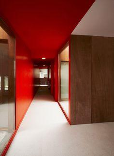*red hallway, corridors, modern interior design, colors* - Creche Binet, Béal & Blanckaert, Paris