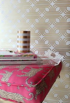 Our Mid Mod Metallic wallpaper will add bold style to your space. Each double roll measures wide x long. Screen printed on top quality, durable. Metallic Wallpaper, Modern Wallpaper, Anna Spiro, Inspirational Wallpapers, Cute Home Decor, Bold Fashion, Bold Prints, Screen Printing, Texture