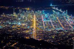Après Sin City Las Vegas et Night Over New York, voici le troisième volet des magnifiques photographies aériennes du photographe américain Vincent Laforet,