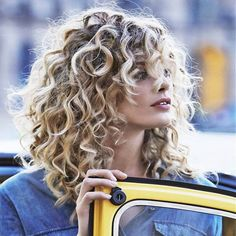 Naturally Curly hairstyles are styles which are source of inspiration for women around the world.