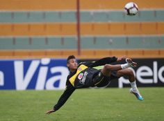 Neymar Da Silva http://www.braziltravelbeaches.com/neymar.html #Neymar #worldcup20104