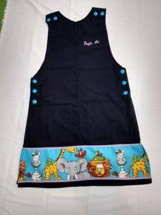 Resultado de imagen para no sew cross back apron Little Girl Outfits, Craft Organization, Scrub Tops, Chrochet, Baby Sewing, Sewing Clothes, Kids Wear, Baby Dress, Girls Dresses