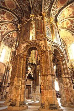 Convento de Cristo, Tomar, Portugal  A voir absolument car c'est tout simplement magnifique!