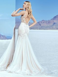 """6 Gowns That Prove Plunging Backs are the """"It"""" Trend of 2018 #sponsored"""