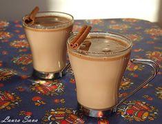 Ciocolata calda, fierbinte si-aromata. Cine i-ar putea rezista?! :) Ingrediente: - 1 litru lapte (integral) - 50-80g zahar brun (sau alb) - 1 baton de scortisoara - 2 cuisoare - 250 g ciocolata cu lapte sau amaruie Mod de preparare: Incalziti laptele in care ati pus zaharul si batonul de scortisoara+cuisoarele. Inainte ca laptele sa dea in clocot, luati vasul de pe foc si adaugati ciocolata rupta bucatele; amestecati pana cand ciocolata se dizolva. Indepartati batonul de scortisoara si… Nutella Pancakes, Keto Recipes, Cooking Recipes, Delicious Desserts, Yummy Food, Frappe, Sweet Memories, Something Sweet, Panna Cotta