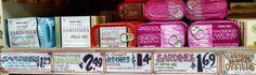 トレーダージョーズのサーディンの缶詰でサンドイッチ  Trader Joe's Sardines in Harissa $1.49 (for each 4.4oz aluminum tin). トレーダージョーズのサーディン イン ハリサ