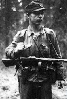 Mikko Pöllä (1916–1994) long range patrolman and Knight of the Mannerheim Cross, pin by Paolo Marzioli