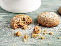 İrmikli Kurabiye | Doğal Günler Semolina Cookie Recipe, Pistachio Cookies, Food Cakes, Food Illustrations, Cookie Recipes, Muffin, Food And Drink, Sweets, Homemade