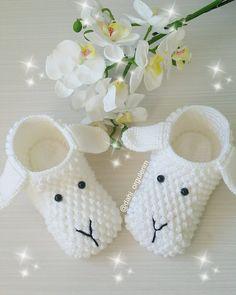 KUZU ÇOCUK PATİĞİ YAPIMI Easter Crochet Patterns, Baby Patterns, Knitting Patterns Free, Baby Knitting, Crochet For Kids, Crochet Baby, Emoji Coloring Pages, Cute Lamb, Crochet Rabbit