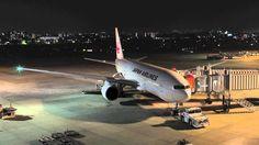 大阪空港でBoeing 777(JAL)の夜♪【微速度撮影】 Osaka International Airport Time Lapse