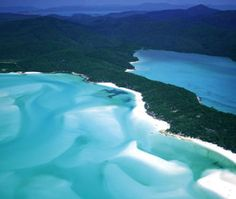 Great Barrier Reef Islands, #Australia (Photo: David Ball / Alamy)