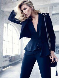 Anja Rubik for El Palacio de Hierro Fall 2015 - Elie Saab Fall 2015 jumpsuit Fashion Tv, Fashion Gallery, Grey Fashion, Work Fashion, Fashion Models, High Fashion, Womens Fashion, Fashion Trends, Anja Rubik