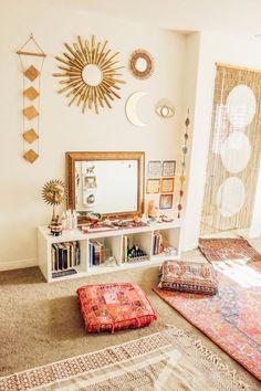 yoga space at home meditation corner zen * home zen space Home Yoga Room, Zen Room, Yoga Studio Home, Yoga Rooms, Yoga Spaces, Relax Room, Yoga Studio Decor, Meditation Corner, Meditation Rooms