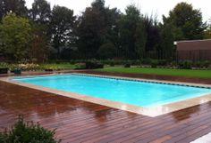 Zwembad met hout afwerking