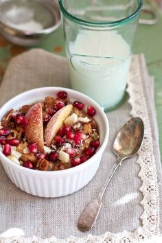 Apple Cinnamon Baked Oatmeal recipe | Bake this the night before for a truly satisfying breakfast! MarlaMeridith.com @marlameridith