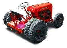 Photo Courtesy: Rich Stephenson 1952 Worthington Model G Yard Tractors, Small Tractors, Lawn Mower Trailer, Quad Trailer, Small Barn Home, Garden Tractor Pulling, Minneapolis Moline, Tractor Attachments, Classic Tractor