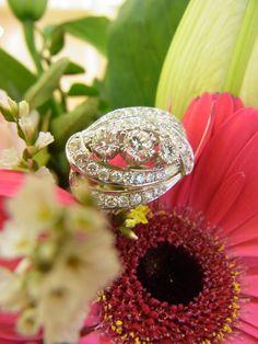 Der perfekte Ring zur Abend Garderobe.