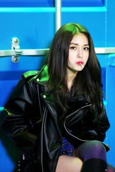 Image about kpop in Somi I.I by Yook ji Dam Jeon Somi, Kpop Girl Groups, Korean Girl Groups, Kpop Girls, K Pop, Up10tion Wooshin, Kim Chungha, Oppa Gangnam Style, Min Yoonji