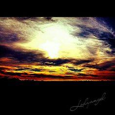 Darker sunset. Copyright Melody Bills-Hubbard. For purchase www.instacanv.as/lodyangel. Follow me on instagram @ lodyangel