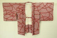 Red haori / 臙脂色 総絞り抽象柄の羽織   #Kimono #Japan http://global.rakuten.com/en/store/aiyama/