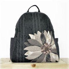 요즘 베낭을 많이 쓰시는거 같아 어떤 베낭을 할까 하다 큰 꽃한송이를 넣어 만들어봤어요. ㅋ~~참 예쁘죠? 퀼트,퀼트가방,퀼트베낭, 퀼트패키지