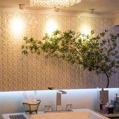 O revestimento Diamante da @ceramicaportinari e a atração principal da brincadeira de luz e sombra neste banheiro, através do espelho! Lindo! ❤️❤️❤️ #suacasanaprovence #ceramicaportinari #revestimento #banheiro