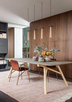 Da Cristina Celestino a Emmanuel Gallina. Oak Bedroom Furniture, Luxury Furniture, Modern Furniture, Furniture Design, Furniture Ideas, Dining Table Chairs, Dining Area, Kitchen Dining, Dining Rooms