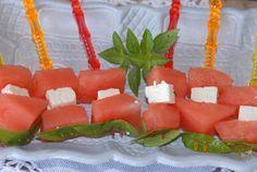 Tapas; Banderillas med vannmelon og fetaost. #watermelon #feta_cheese #3ingredients #mint #mynte #quick #vegetarian