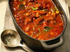Our popular recipe for Fiery Oven Chili Pot and over other free recipes LECKER. Slovak Recipes, Czech Recipes, Indian Food Recipes, Oven Recipes, Pork Recipes, Cooking Recipes, Healthy Eating Tips, Healthy Recipes, Pork Tenderloin Recipes
